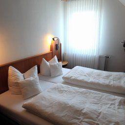 Zum_Schwanen-Wermelskirchen-Room-2-15744.jpg
