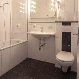 Deutschmann-Bregenz-Bathroom-16117.jpg