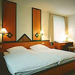 Grosser_Kurfuerst_Stadt-gut-Hotel-Emden-Standardzimmer-3-16675.jpg