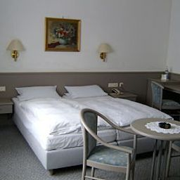 Goeller-Hirschaid-Room-18-17116.jpg