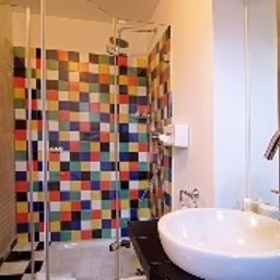 Palmenbad-Kassel-Bathroom-3-17146.jpg