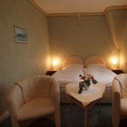 Bellevue-Lauenburg-Room-12-17953.jpg
