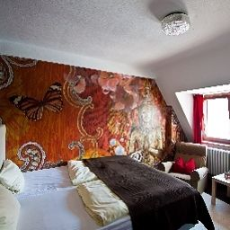 Barbarossa_Garni-Wuerzburg-Double_room_standard-18932.jpg