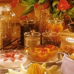 Buffet Landhotel Golf & Salzano SPA Interlaken (Bern)