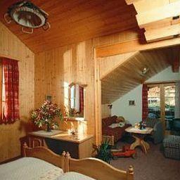 Brienzerburli-Brienz-Room-1-19301.jpg