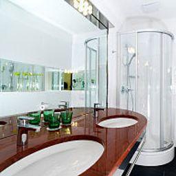Zipser-Vienna-Bathroom-2-19619.jpg