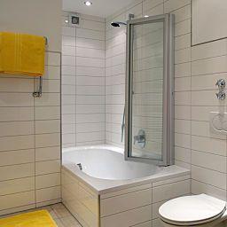 Sprudel-Hotel_Garni-Bad_Vilbel-Bathroom-19755.jpg