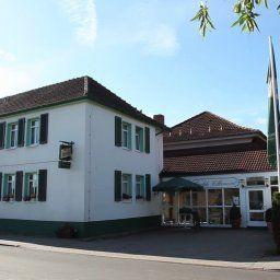 Gruener_Baum-Genthin-Aussenansicht-2-22650.jpg