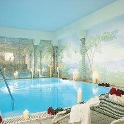 Sammareier_Gutshof-Bad_Birnbach-Pool-22829.jpg