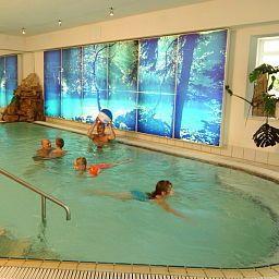 Am_Rennsteig_Familienhotel-Wurzbach-Pool-23366.jpg