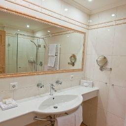 Bathroom Tiefenbrunner