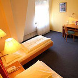 Montana_Nuernberg-West-Oberasbach-Superior_room-1-23813.jpg