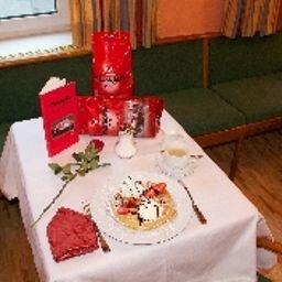 Vier_Jahreszeiten-Salzburg-Hotel_bar-5-24392.jpg