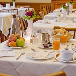 ACHAT_Plaza_zum_Hirschen-Salzburg-Breakfast_room-25319.jpg