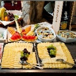 Petit-déjeuner buffet Royal
