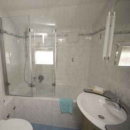 Elite_Garni-Zermatt-Bathroom-25386.jpg