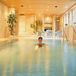 Sebaldus_Landhotel-Bad_Kohlgrub-Pool-25716.jpg