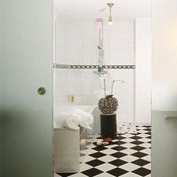 Kristiania_Lech-Lech-Bathroom-1-26326.jpg
