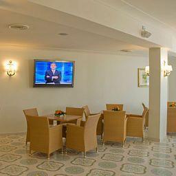 Interior del hotel Rivamare