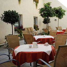 Novostar_First_Class_Garni-Goettingen-Garden-29837.jpg