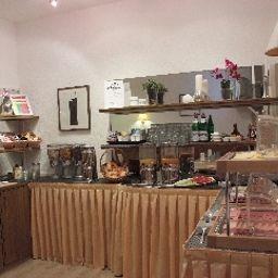 Ambassador-Essen-Breakfast_room-5-29903.jpg