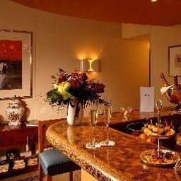 Bristol_Adelboden-Adelboden-Hotel_bar-30987.jpg