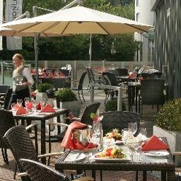 Lindner_Hotel_Airport-Dusseldorf-Terrace-31212.jpg