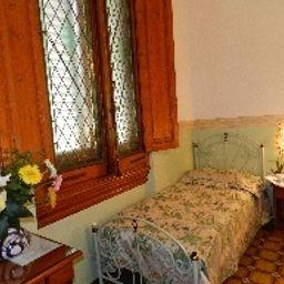 Desiree-Florence-Hotel_indoor_area-1-32107.jpg