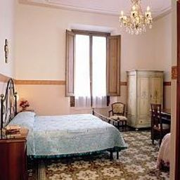 Desiree-Florence-Room-9-32107.jpg