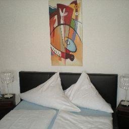 Sockenbacher_Hof_Land-gut-Hotels-Waldbrunn-Einzelzimmer_Komfort-32707.jpg