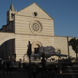Roma-Assisi-Exterior_view-2-35066.jpg