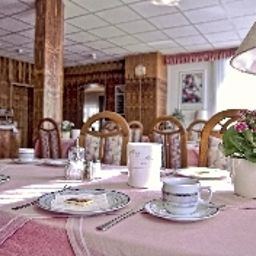 Borger-Frankfurt_am_Main-Breakfast_room-2-35327.jpg