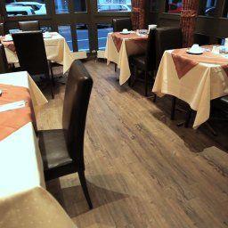 An_der_Koe-Dusseldorf-Breakfast_room-2-35626.jpg