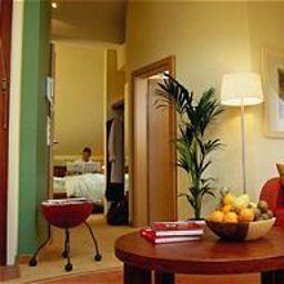 Villa_Fiore-Dusseldorf-Room-2-36658.jpg