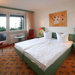 IFA_Schoeneck_Hotel_Ferienpark-SchoeneckVogtland-Standardzimmer-1-36722.jpg