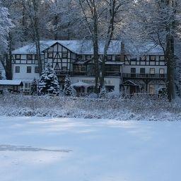 Seeschloss_am_Obersee-Wandlitz-Exterior_view-3-36766.jpg