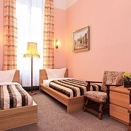 Cortina_Hotel-Pension-Berlin-Room-3-37289.jpg