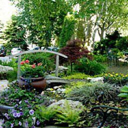 NaturMed_Carbona-Heviz-Garden-37438.jpg