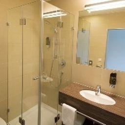 Dollinger-Innsbruck-Bathroom-2-38289.jpg