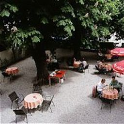 Dollinger-Innsbruck-Garden-38289.jpg