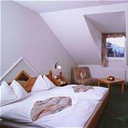 Dollinger-Innsbruck-Room-2-38289.jpg