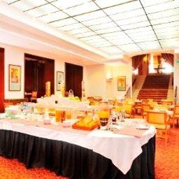 Breakfast buffet Le Littre
