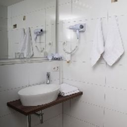 Burghotel_Stammhaus-Nuremberg-Bathroom-38409.jpg