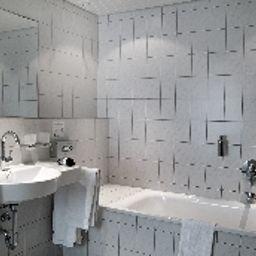Witte-Ahlen-Badezimmer-1-38482.jpg