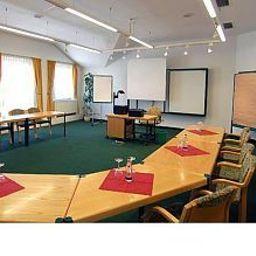 Astor-Altenburg-Conference_room-38493.jpg