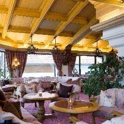 Bar hotelowy Berghotel Tirol