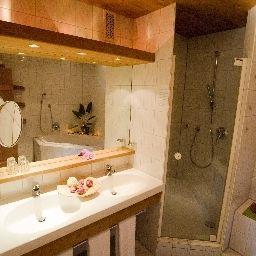 Bathroom Berghotel Tirol