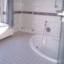 Cuarto de baño Apart Hotel Taucha