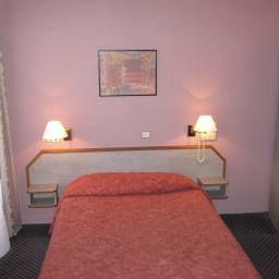 Williams_Opera-Paris-Superior_room-1-39797.jpg