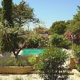 Enclos_des_Lauriers-Roses_Logis-Cabrieres-Garden-40777.jpg